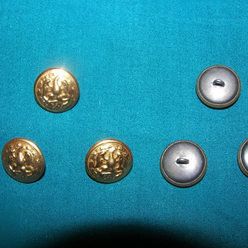US Navy WWII Pettie Officer Buttons
