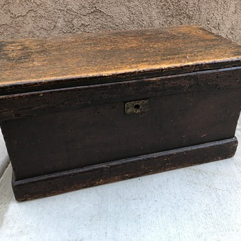 Primitive wooden mail chest  - Furniture