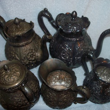 Beautiful antique coffee and tea set - Kitchen
