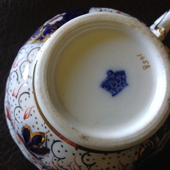 Do you know the maker of this Imari - Pottery