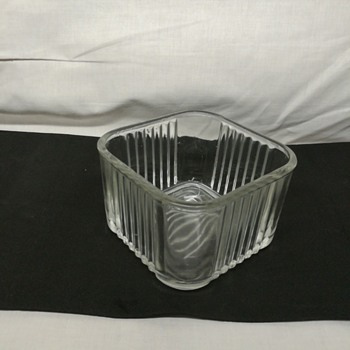 Federal refrigerator dish, circa 1937 - Glassware