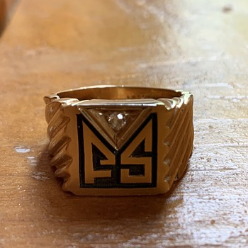 Frank Sinatra personal FS solid gold monogram ring - Gold