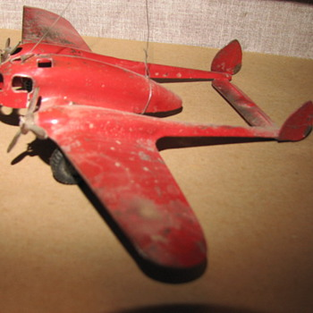 1935 Crusader (wyandotte Toy Co.) predating the P-38 - Toys