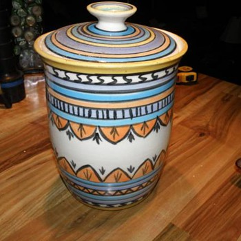 """HAND PAINTED POTTERY WITH LID MARKED """"LYDIA"""" NATIVE AMERICAN ? - Pottery"""