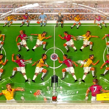 French football (soccer) tabletop game.  Help identifying! - Toys