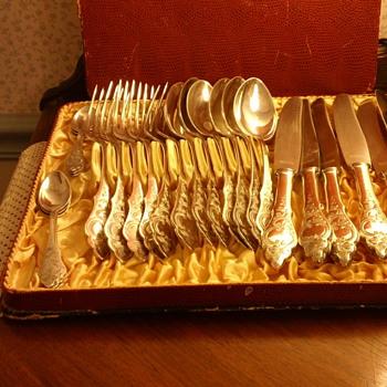 Silver Plate German flatware by the Uhren Gold & Silver Co. Landstrul Pfaiz - Silver