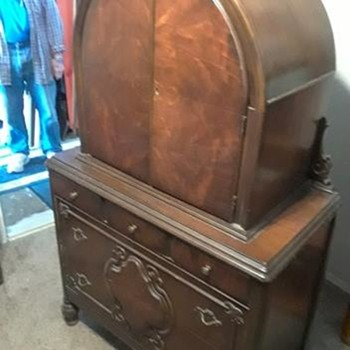 what is this, trying to get any info on it. - Furniture