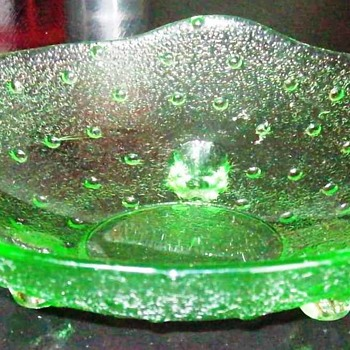 Vintage 3-footed Green Glass Candy Dish, Vaseline YES or NO???? - Glassware