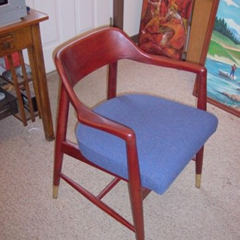 Another great MCM chair with original upholstery