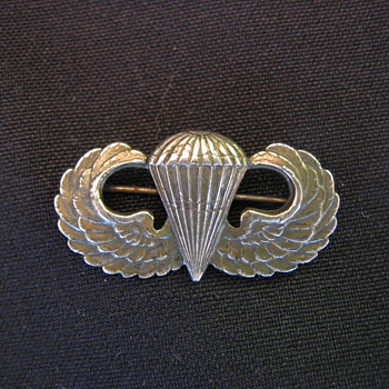 WWII Airborne Jump Wings - Military and Wartime
