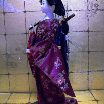 A geisha with a unique hairstyle - Dolls