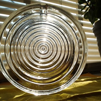 Round Glass Medium Ashtray - Tobacciana