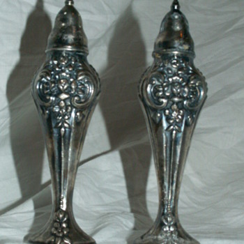 Vintage WM Rogers 1881 Sterling Silver Shakers - Silver