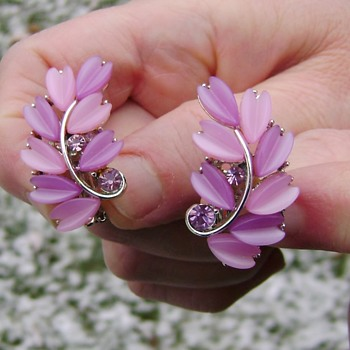 Vintage Pink & Lavender Lucite Earrings - Costume Jewelry