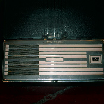 RCA tube portable radio
