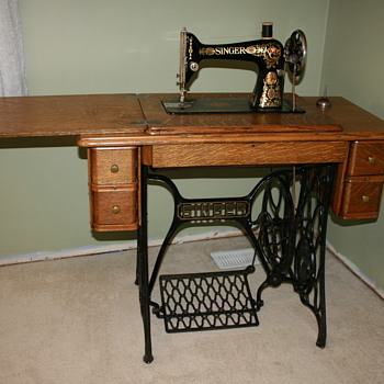 Vintage And Antique Singer Sewing Machines Collectors Weekly Extraordinary Singer Pedal Sewing Machine