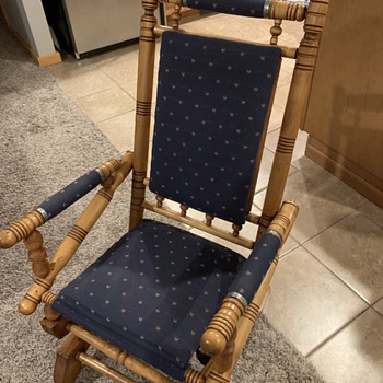 Antique rocking chair, trying to learn more. - Furniture