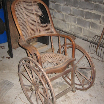 Civil war wheelchair - Furniture
