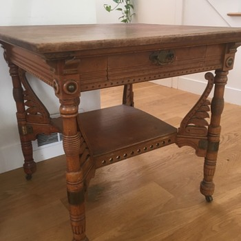 Antique table with drawer and middle tray area - victorian? - Furniture