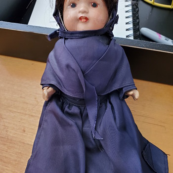 Mystery composite Amish dressed doll - Dolls