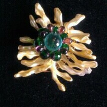 A brooch that is so ugly it's almost beautiful! - Costume Jewelry