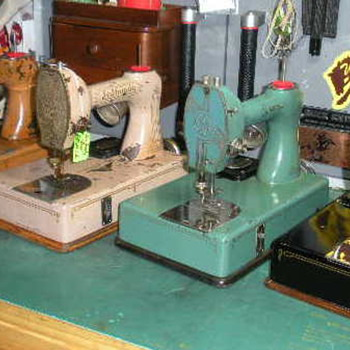 "Part #3 Standard ""Sewhandy"" - the precursor to the Singer ""Featherweight"" - Sewing"