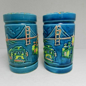 "Kitschy ""SAN FRANCISCO"" Pottery Souvenir Salt Pepper Shakers"