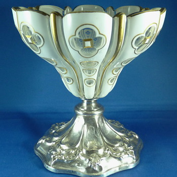 BIEDERMEIER CANDY DISH OR COMPOTE, NOT Baccarat and french silver ?? - Art Glass