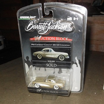 Green Light Diecast Auction Block 1961 Corvette - Model Cars