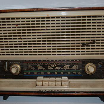 Vintage Radio !! Blaupunkt Verona 2608 Tabletop Radio Shortwave