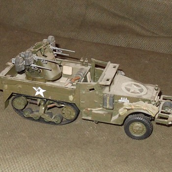 M16 Halftrack Multiple Gun Motor Carriage 1/35 Scale Model - Military and Wartime