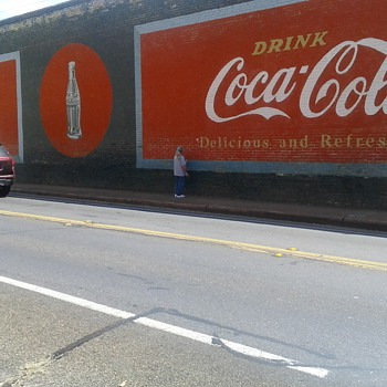 Is this the largest Coca Cola wall sign?  - Advertising