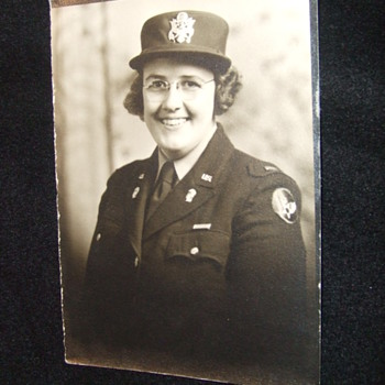WW2 AAC female Lieutenant - Photographs