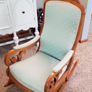 Lincoln Style Rocker - Furniture