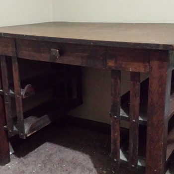 help identifying  wooden desk manufacturer - Furniture