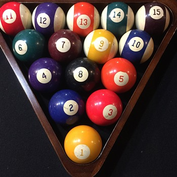 Vintage Billiard Balls the numbers are Sideways?????