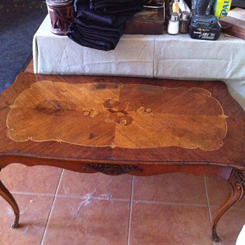 Beautiful vintage wood inlay coffee table - Furniture