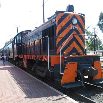 Going For a Ride In a SW-1 Switcher - Railroadiana