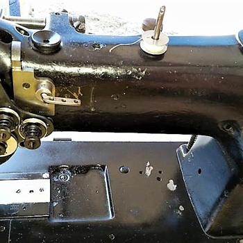 1945 Singer 111W117 Walking Foot Industrial Sewing Machine