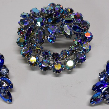 Vintage Sherman Brooch and Earring set. - Costume Jewelry