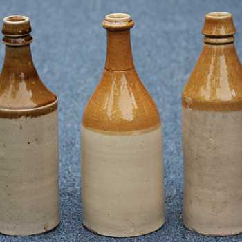 ---Large size Tan and White stone ware beer bottles--- - Bottles
