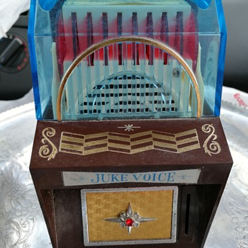 Juke Voice transistor radio coin box - Radios