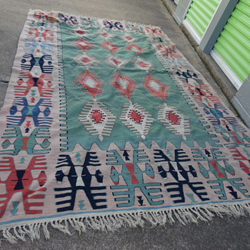 Vintage Native American Rug???