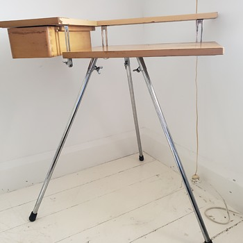 Any ideas of who made this interesting desk? - Furniture
