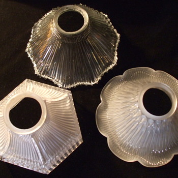 Three Signed HOLOPHANE Shades For Bracket/Desk LAMPS - Lamps