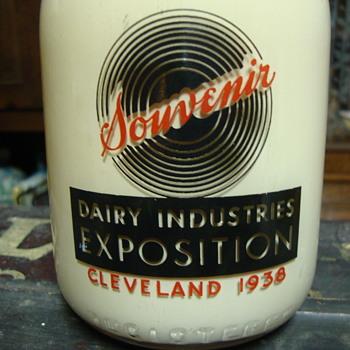 1938 Cleveland Dairy Industries Souvenir Milk Bottle - Bottles