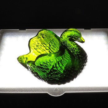 L. E. Smith Glass Goose Bird Salt Cellar Forest Green Translucent Collectible  - Glassware