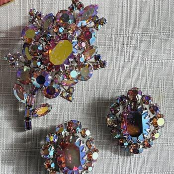 "Beautiful Rare ""Pinks""  Sherman Set - Costume Jewelry"
