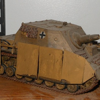 Tamiya 1/35 Scale Model Sturpanzer IV Brummbar German Thing - Military and Wartime