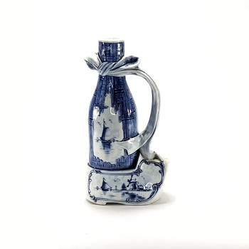Delft Pitcher Identification - Pottery